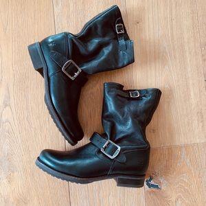 EUC💗Frye Boots